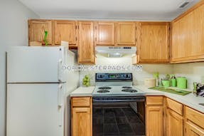 Dorchester Apartment for rent 3 Bedrooms 1.5 Baths Boston - $3,200