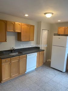 North End 3-Bed 1-Bath Apartment RIGHT ON HANOVER Street!!! Boston - $3,495 No Fee