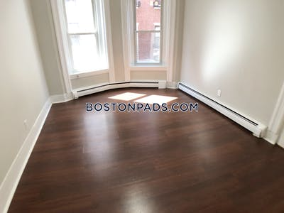 North End GORGEOUS ONE BEDROOM APARTMENT LOCATED ON SHEAFE ST NORTH END. NO BROKER FEE Boston - $1,750